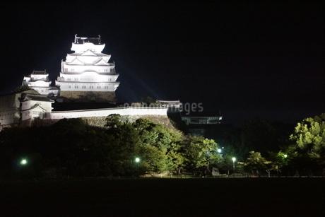 夜の姫路城の写真素材 [FYI01268007]