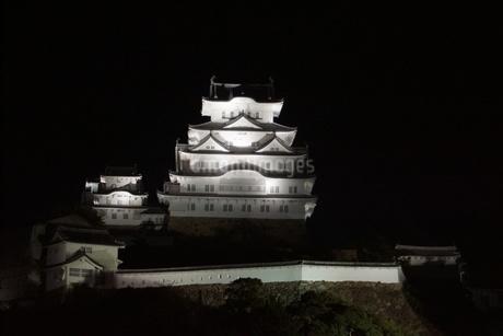 夜の姫路城の写真素材 [FYI01268011]