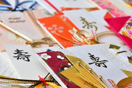 たくさんのご祝儀袋の写真素材 [FYI01268054]
