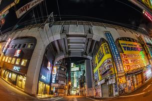 秋葉原の街並み(夜)の写真素材 [FYI01268604]