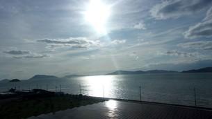 太陽と太陽光発電の写真素材 [FYI01268823]