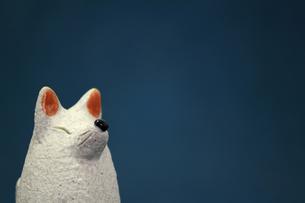 白いキツネの置物のスティルライフの写真素材 [FYI01269125]