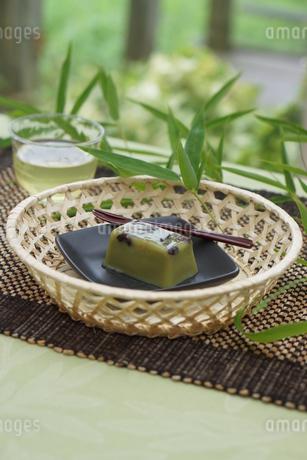 甘納豆入り抹茶水ようかんの写真素材 [FYI01269197]