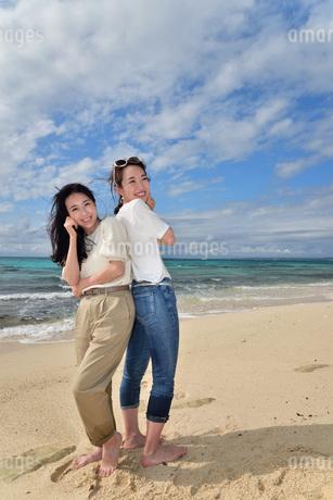 宮古島/ビーチでポートレート撮影の写真素材 [FYI01269423]