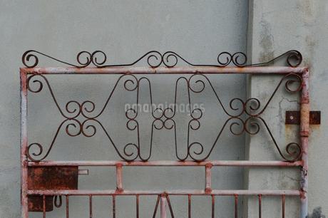デザインされた古いレトロな門の写真素材 [FYI01270108]