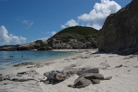 南国沖縄の渡嘉敷島の無人島の写真素材 [FYI01270149]