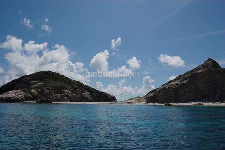 南国沖縄の渡嘉敷島の無人島の写真素材 [FYI01270152]