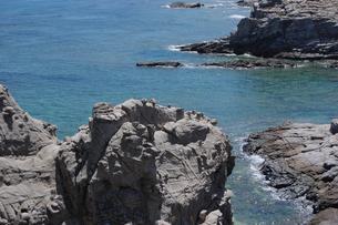 南国沖縄の渡嘉敷島の壮大な絶壁の写真素材 [FYI01270170]