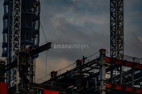高層ビルの建築現場の写真素材 [FYI01270489]