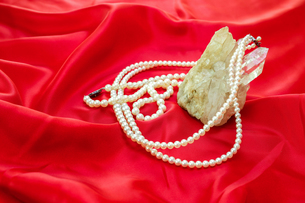 真珠のネックレスの写真素材 [FYI01270721]