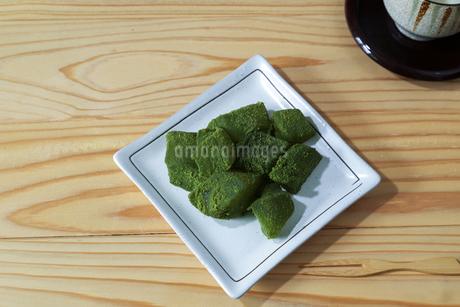 抹茶味のわらび餅の写真素材 [FYI01270833]