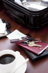 パスポートとビジネスアイテムの写真素材 [FYI01275887]