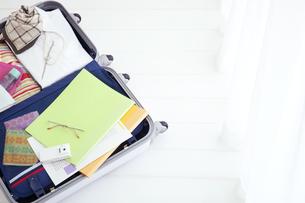 スーツケースの中身の写真素材 [FYI01275941]