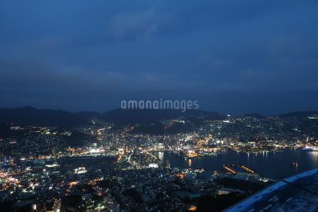 長崎港の夜景の写真素材 [FYI01279420]