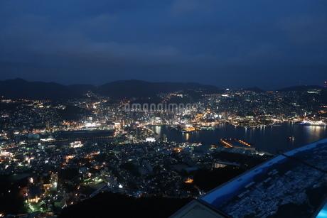 長崎港の夜景の写真素材 [FYI01279447]