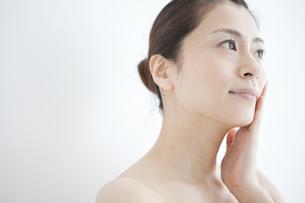 日本人女性のビューティーイメージの写真素材 [FYI01280825]