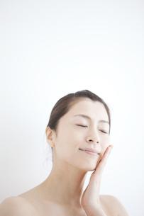 日本人女性のビューティーイメージの写真素材 [FYI01280836]