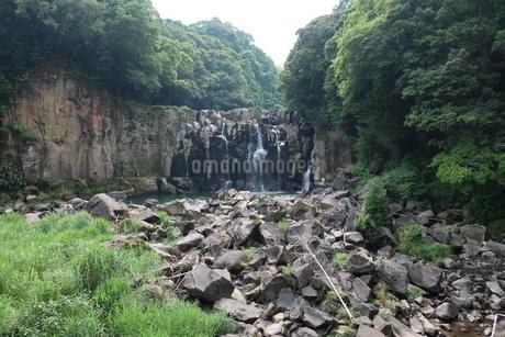 関之尾の滝の写真素材 [FYI01281546]