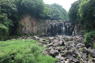 関之尾の滝の写真素材 [FYI01281572]