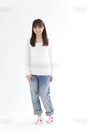 笑顔の女性の写真素材 [FYI01282042]
