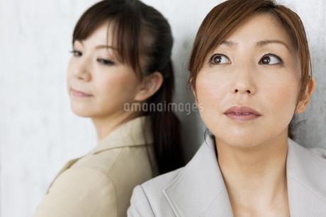 喧嘩をするビジネスウーマンの写真素材 [FYI01282539]