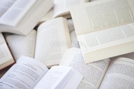 複数の本の写真素材 [FYI01286163]