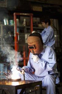 工場で働く男性の写真素材 [FYI01287967]