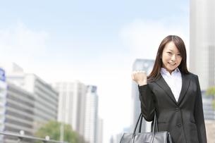 笑顔のビジネスウーマンの写真素材 [FYI01292050]