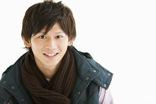 笑顔の若い男性の写真素材 [FYI01292165]