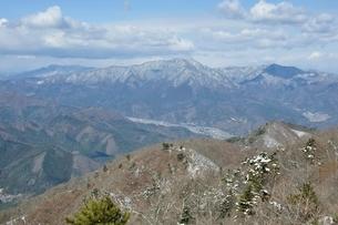 三ツ峠と清八山の写真素材 [FYI01292529]