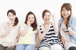 笑顔の女性4人の写真素材 [FYI01293765]