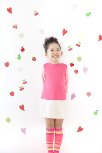 笑顔の女の子の写真素材 [FYI01296369]