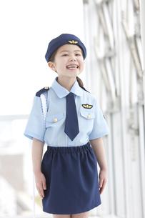 婦人警官の格好をしている女の子の写真素材 [FYI01296694]