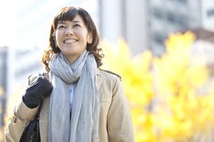 笑顔の女性の写真素材 [FYI01303184]