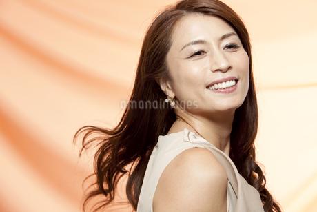 笑顔の中高年女性の写真素材 [FYI01304360]