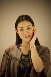 笑顔の中高年女性の写真素材 [FYI01307938]