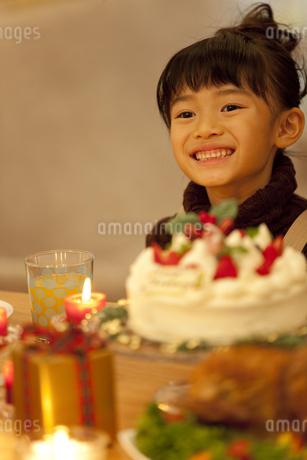 笑顔の女の子の写真素材 [FYI01310618]