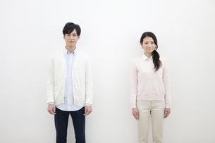 ほほえむカップルの写真素材 [FYI01310631]