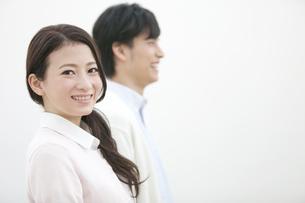笑顔の女性の写真素材 [FYI01310801]
