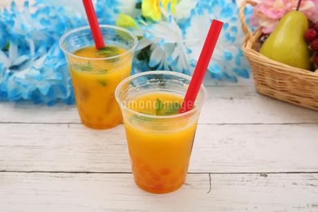 タピオカオレンジジュースの写真素材 [FYI01311001]