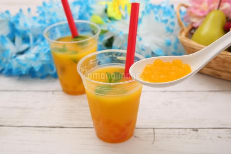タピオカオレンジジュースの写真素材 [FYI01311002]