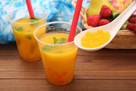 タピオカオレンジジュースの写真素材 [FYI01311005]