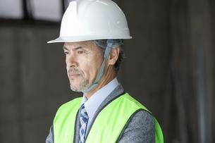 建設現場のビジネスマンの写真素材 [FYI01313650]