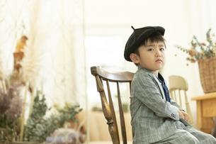 帽子を被った男の子の写真素材 [FYI01314066]