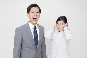 ビジネスマンとビジネスウーマンの写真素材 [FYI01315398]