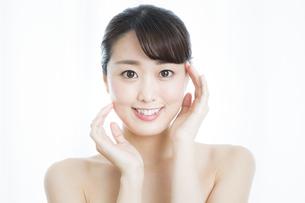日本人女性のビューティーイメージの写真素材 [FYI01316415]