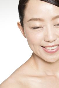 中年女性の美容イメージの写真素材 [FYI01317518]