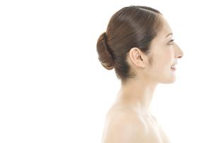 20代女性の美容イメージの写真素材 [FYI01320437]