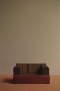 茶色のソファの写真素材 [FYI01321975]