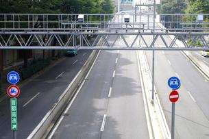 高速道路の監視カメラの写真素材 [FYI01323021]